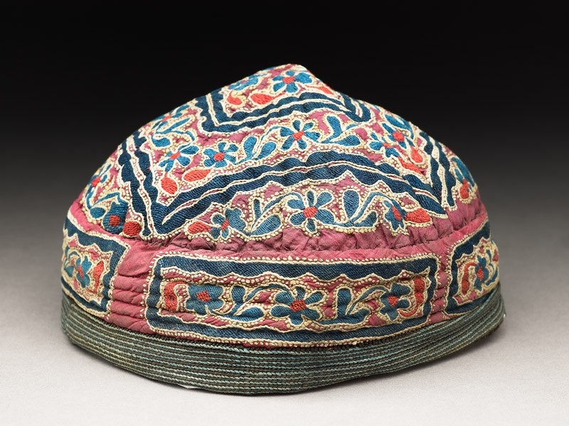 Cap with squares and flowers (EAX.7416, oblique          )