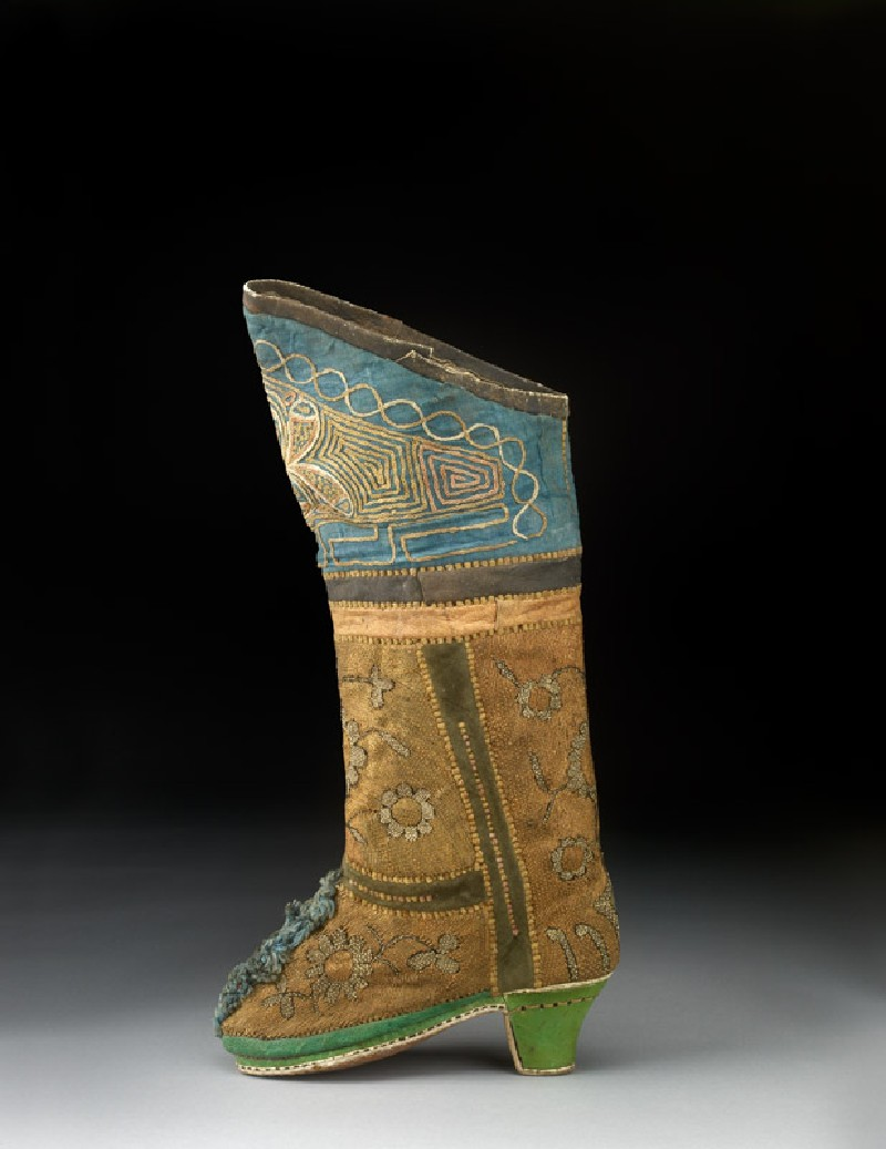 Boot with flowers (EAX.7420.a, side            )