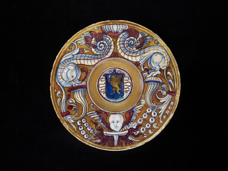 Armorial plate (WA1888.CDEF.C432)