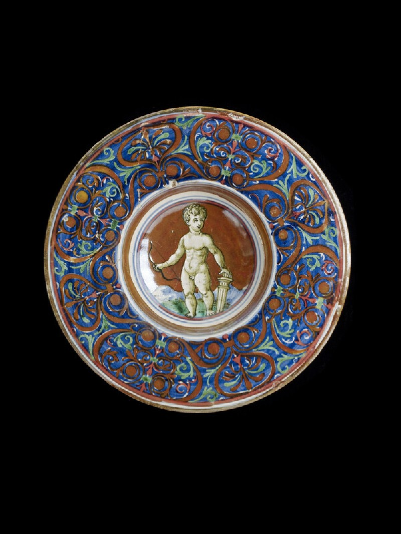 Lustred plate with Cupid