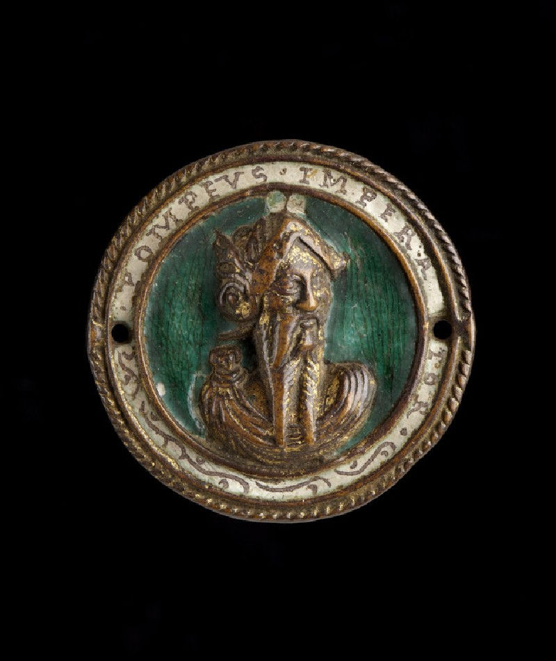 Hat badge, with portrait bust of Pompey (WA1889.CDEF.B843)