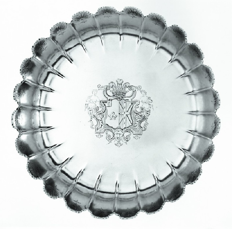 Fluted dish
