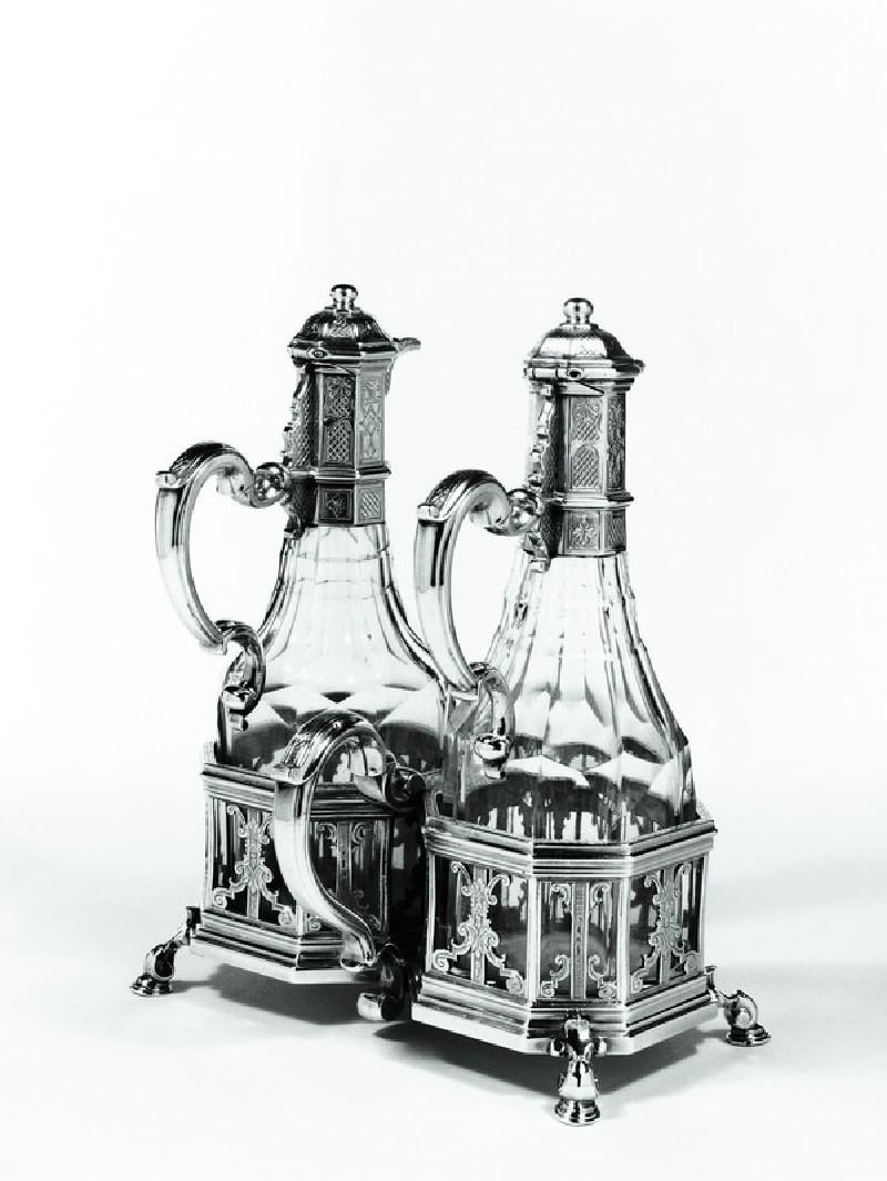Oil and vinegar frame (WA1946.65)