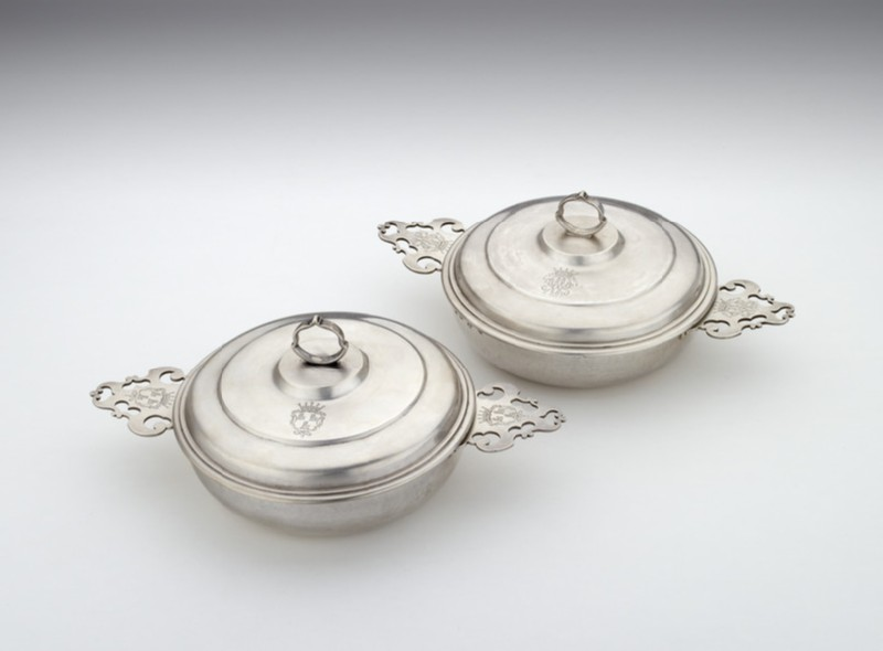 Bowl and cover, one of a pair (WA1947.17)