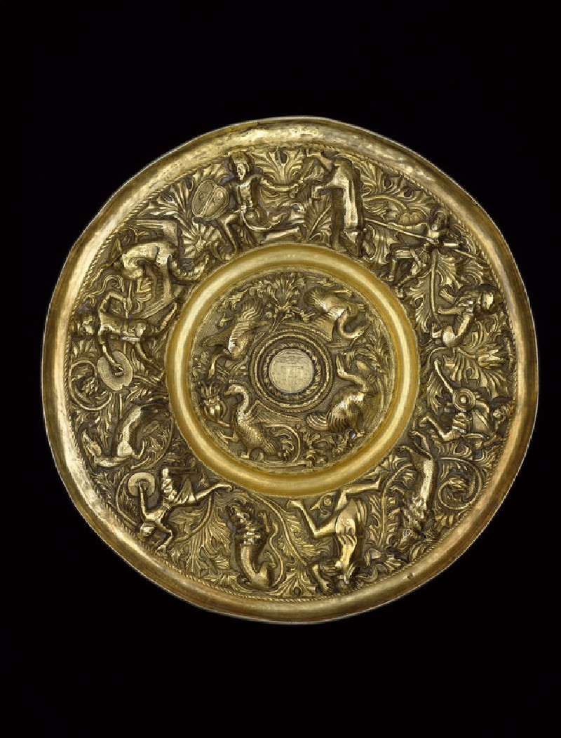 Dish with hunting scenes
