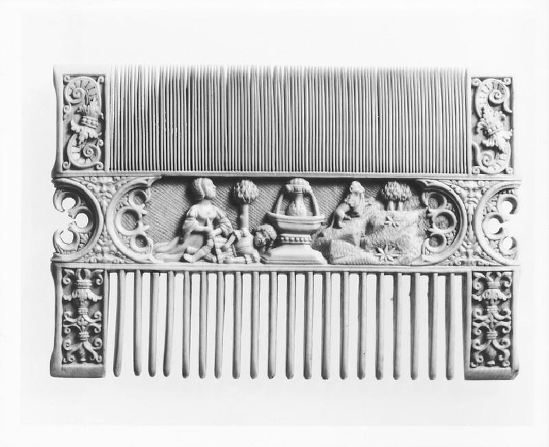 Decorated Comb (WA1947.191.214)