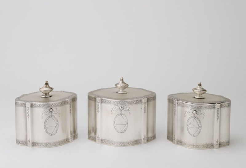Box for set of three tea canisters (WA1956.26.1.4)