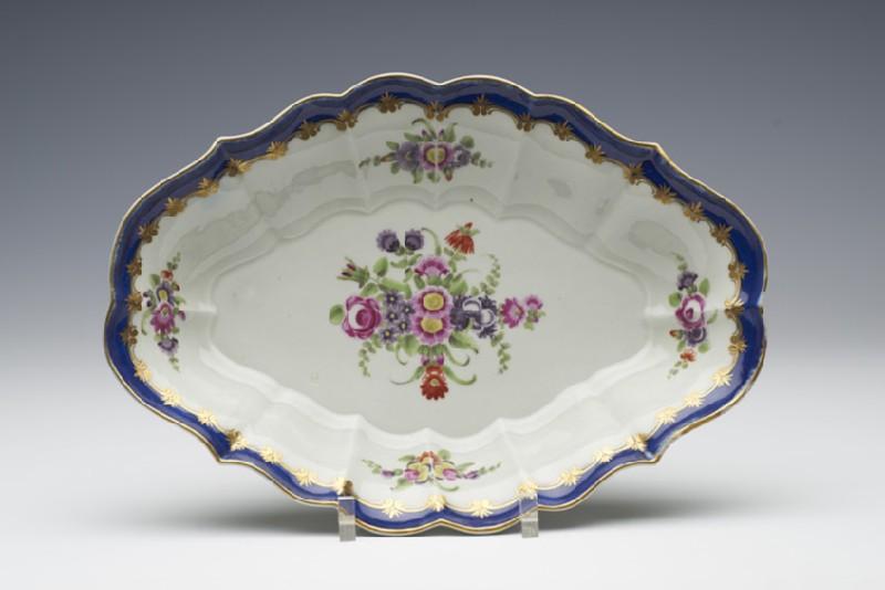 Dish (WA1957.24.1.40)