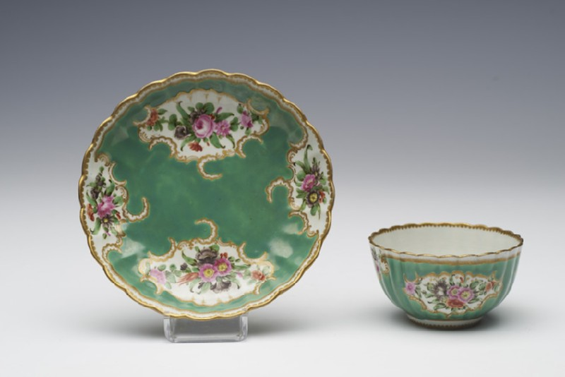 Tea bowl and saucer (WA1957.24.1.450)