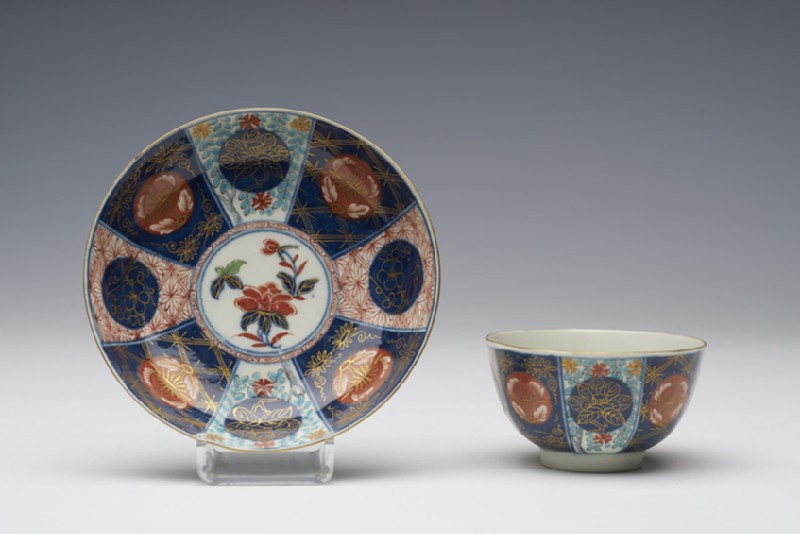 Tea bowl and saucer (WA1957.24.1.726)