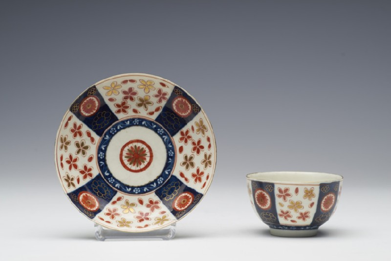 Tea bowl and saucer (WA1957.24.1.730)