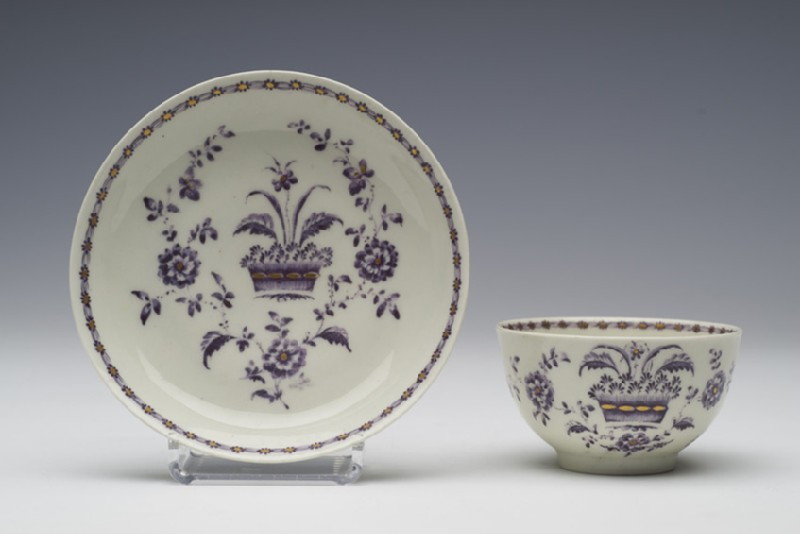 Tea bowl and saucer (WA1957.24.1.797)