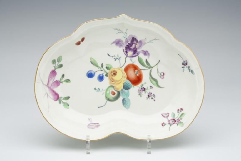 Dish (WA1957.24.1.1053)