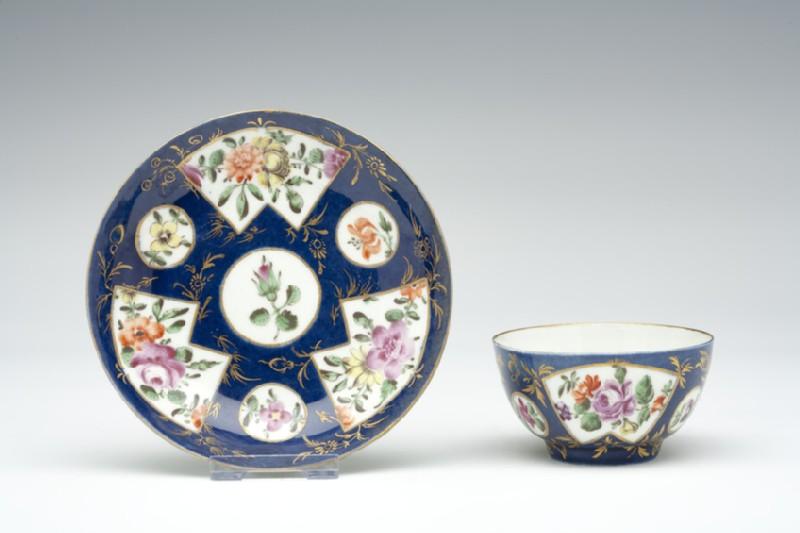 Tea bowl and saucer (WA1957.24.1.138)