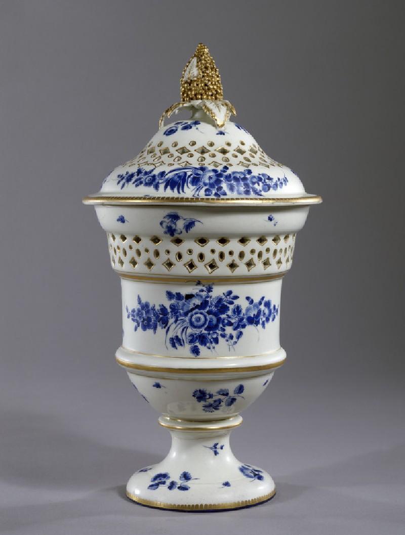 Pot-pourri vase and cover (WA1957.24.1.239)