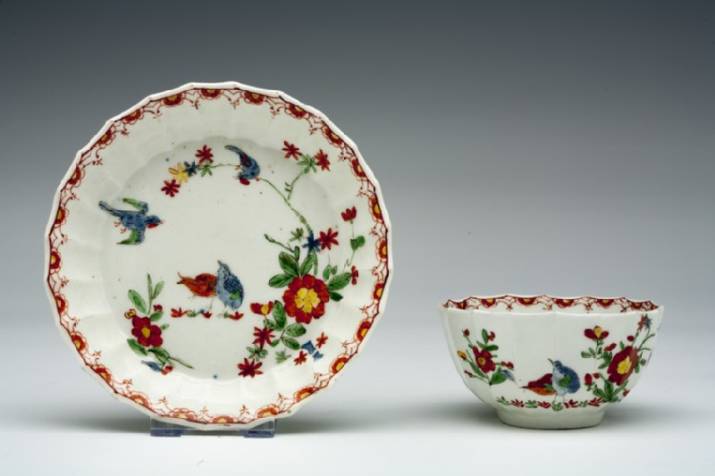 Tea bowl and saucer (WA1957.24.1.272)