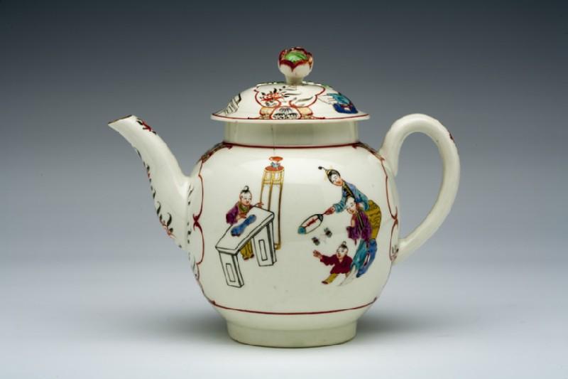 Teapot and lid (WA1957.24.1.284)