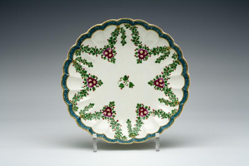 Cake dish (WA1957.24.1.341)
