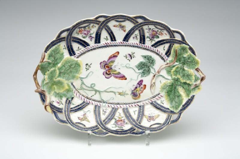 Basket moulded dish