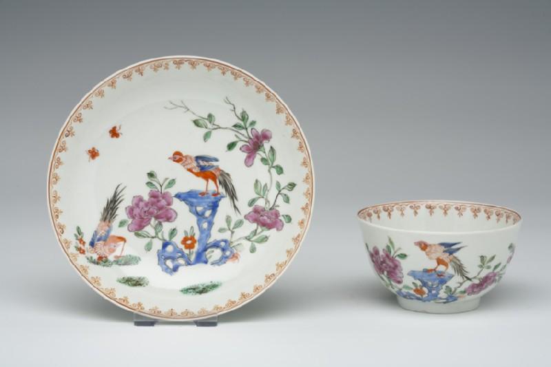 Tea bowl and saucer (WA1957.24.1.517)