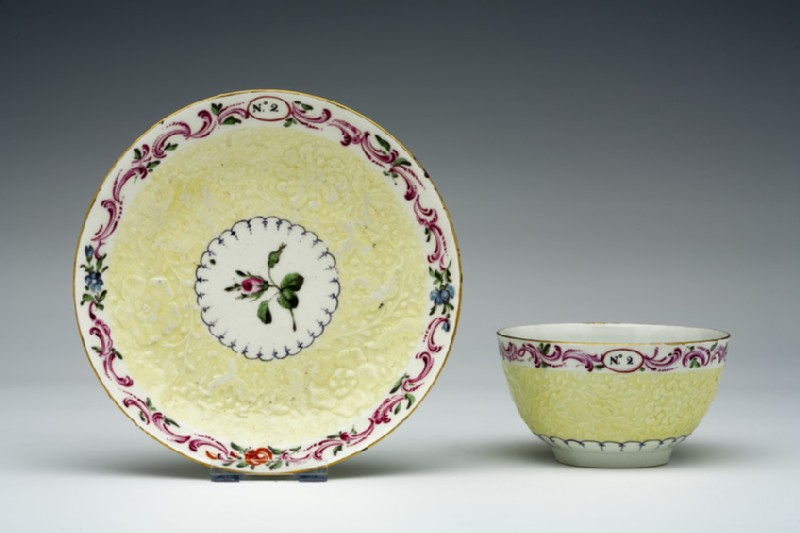 Tea bowl and saucer (WA1957.24.1.691)