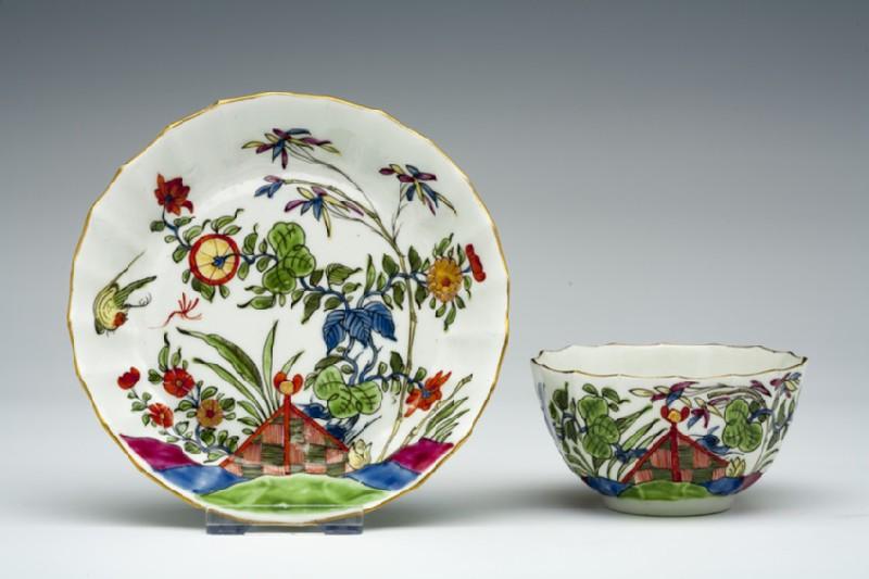Tea bowl and saucer (WA1957.24.1.709)
