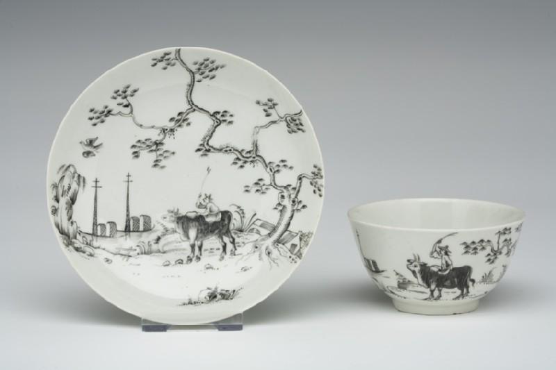 Tea bowl and saucer (WA1957.24.1.781)