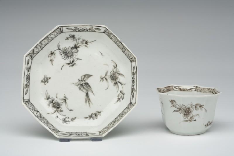 Tea bowl and saucer (WA1957.24.1.788)