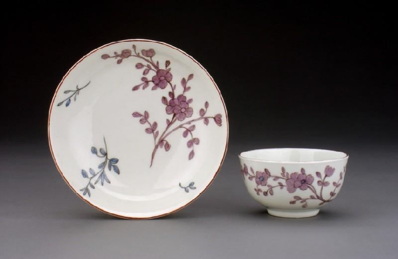Tea bowl and saucer (WA1957.24.1.795)