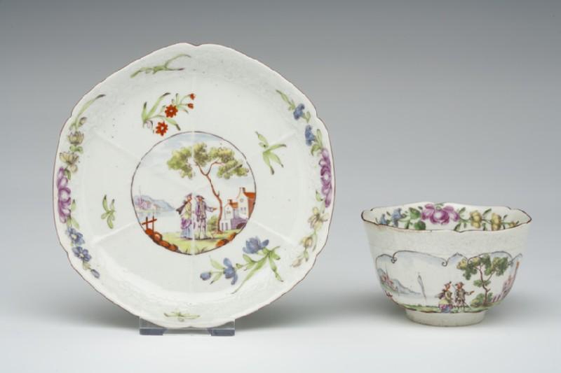 Tea bowl and saucer (WA1957.24.1.84)