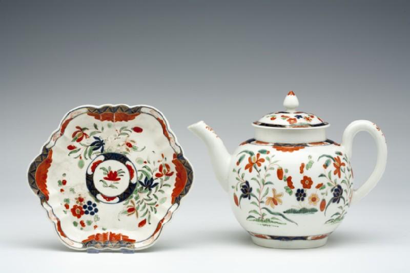 Teapot, lid and stand (WA1957.24.1.847)