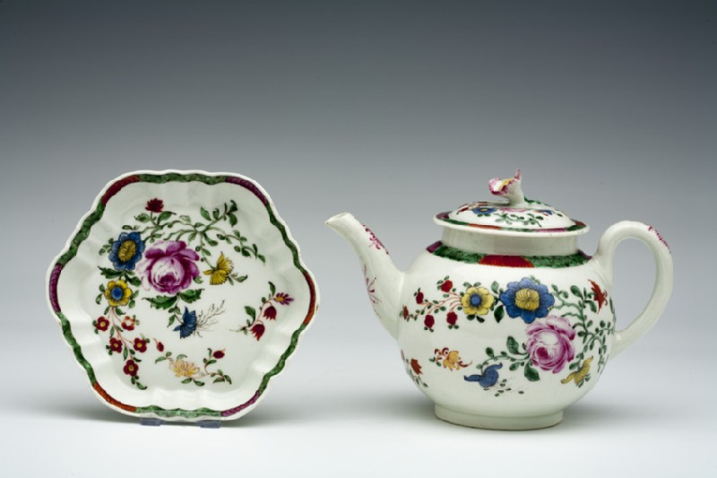 Teapot, lid and stand (WA1957.24.1.851)