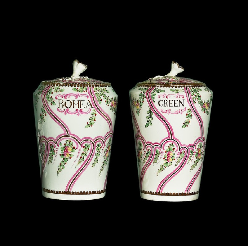 Tea canister, one of a pair (WA1957.24.1.909, side, with WA1957.24.1.907                 )