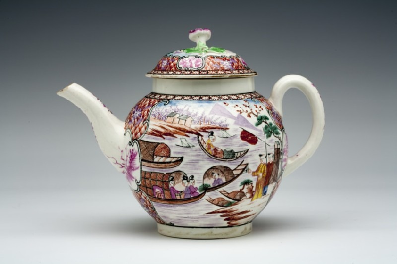 Teapot and lid (WA1957.24.1.911)