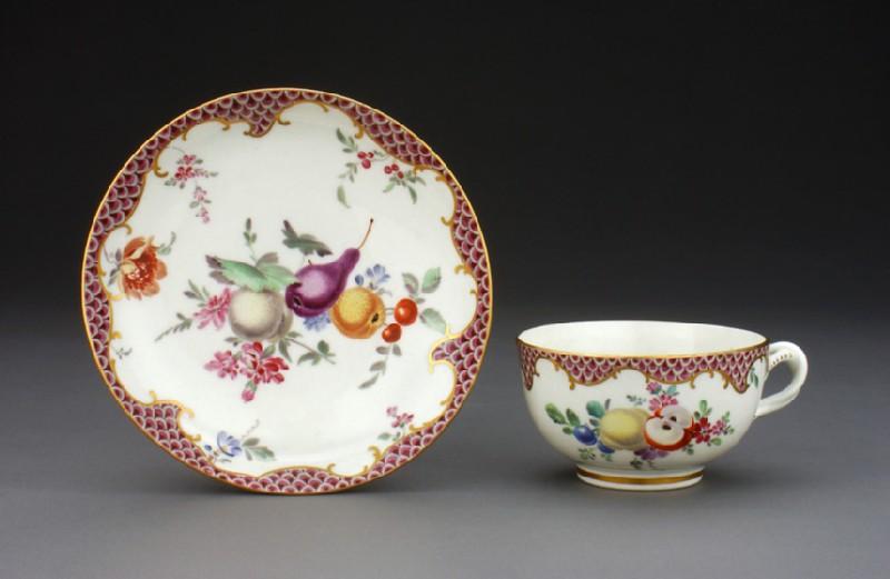 Teacup and saucer (WA1957.24.1.928)