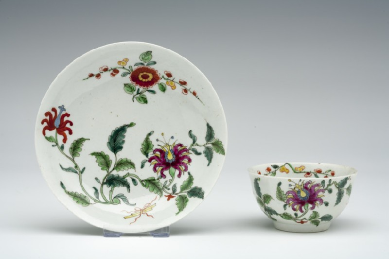 Tea bowl and saucer (WA1957.24.1.962)