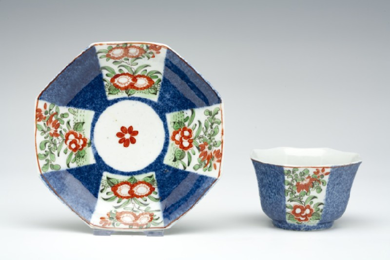 Tea bowl and saucer (WA1957.24.1.971)