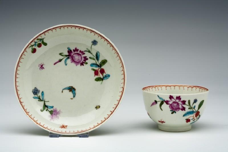 Tea bowl and saucer (WA1957.24.1.988)