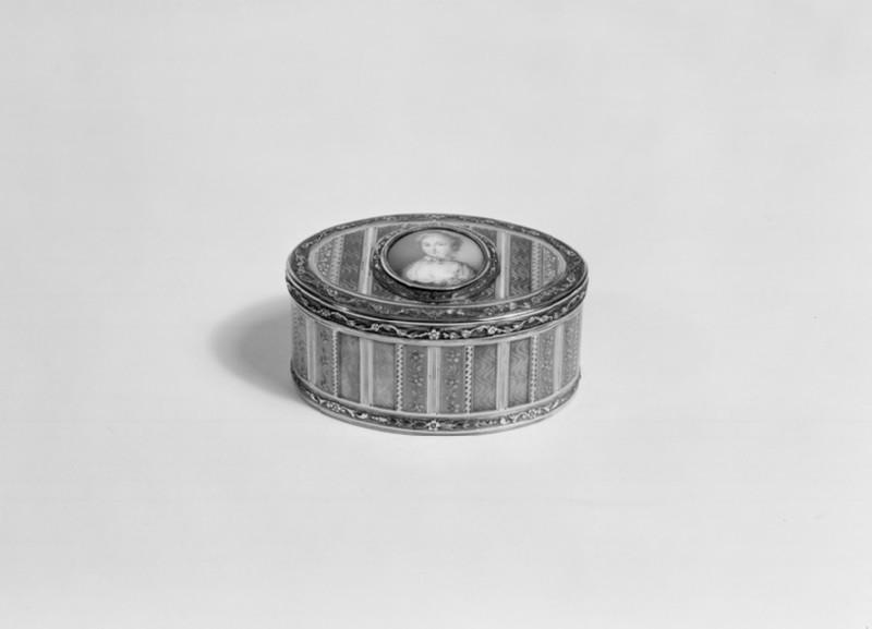 Snuff-box (WA1960.22.2)