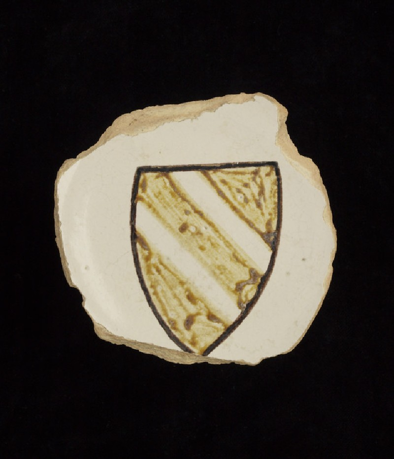 Foot-ring and base of a dish with shield of arms (WA1993.367)