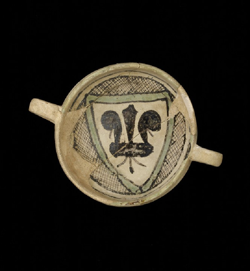 Drinking bowl with a fleur-de-lis (WA1995.280)