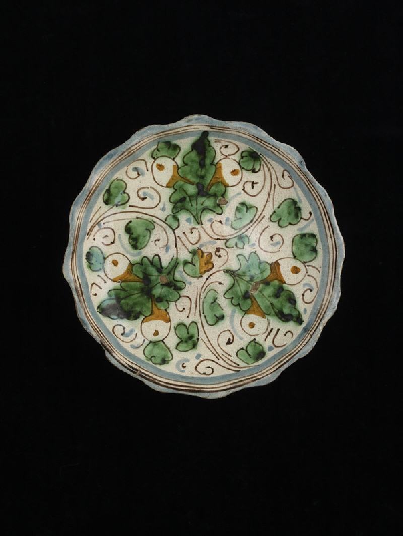 Bowl with leaf ornament
