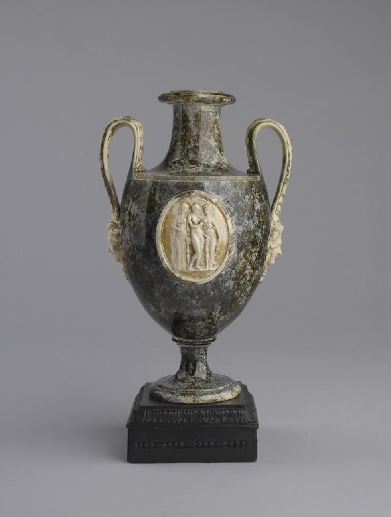 Urn (WA2009.40)