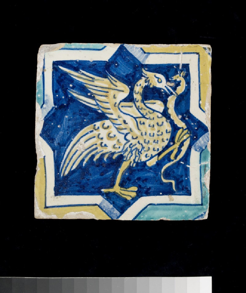 Tile with bird with a snake in octofoil (WA2012.1.557)