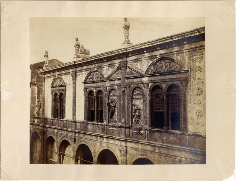 Photograph of the Upper Storey of the Loggia del Consiglio, Verona (WA.RS.ED.096, Thompson, Stephen - The Upper Storey of the Loggia del Consiglio, Verona ())