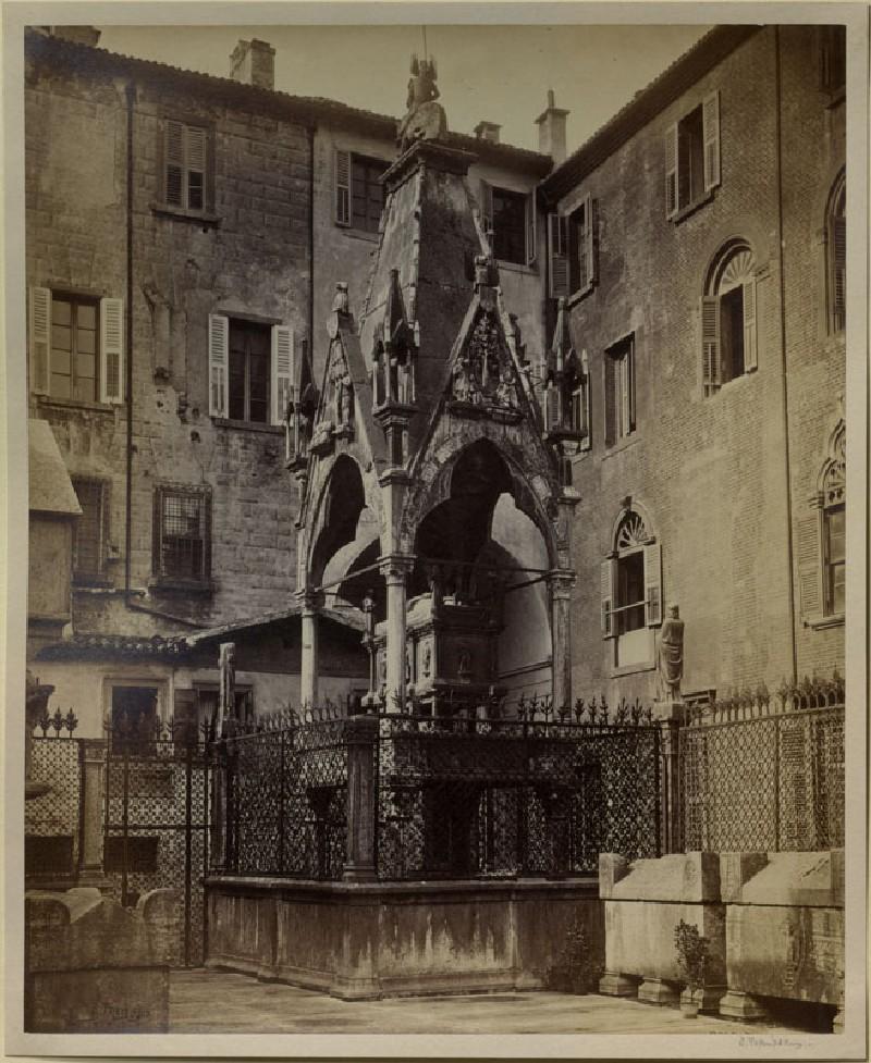 Photograph of the Tomb of Mastino II della Scala, Verona (WA.RS.RUD.094, Thompson, Stephen - Photograph of the Tomb of Mastino II della Scala, Verona ())