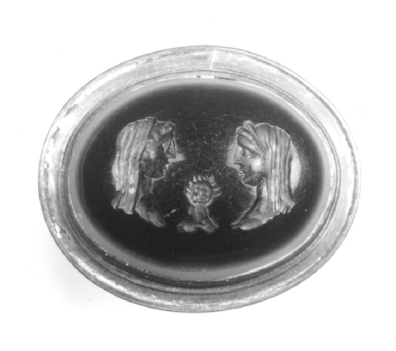 Intaglio gem, portrait busts of family group