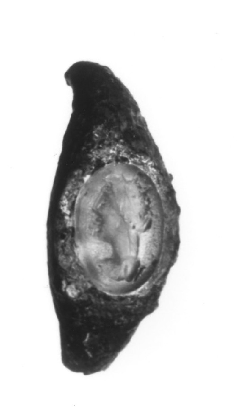 Intaglio gem, portrait head female facing left, set in fnger-ring