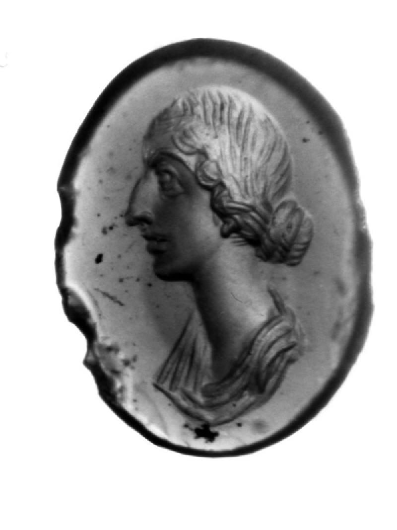 Intaglio gem, portrait of Faustina II (AN1941.282, record shot)