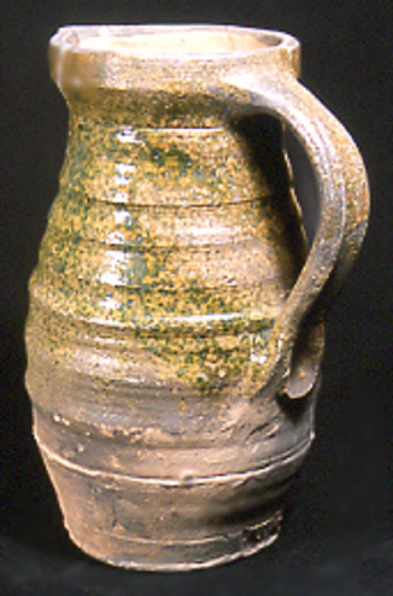 Barrel-shaped jug